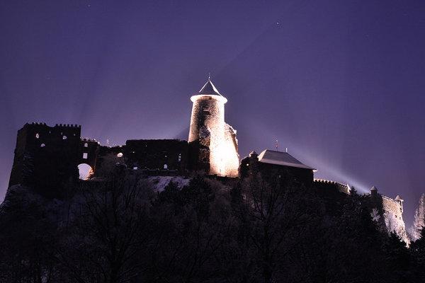 Medzi desať najpopulárnejších pamätihodností na Slovensku patrí aj Ľubovniansky hrad.