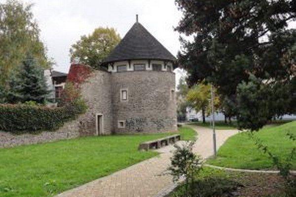 Bašta je súčasťou starého mestského opevnenia.