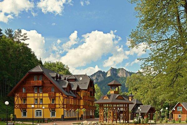 Kúpele Červený Kláštor - Smerdžonka sa znovu rozvíjajú, pred letnou sezónou v nich pribudol rekreačný park.