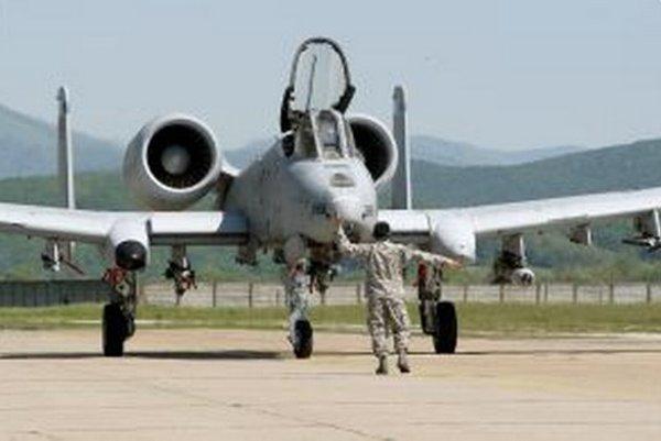 Lietadlá americkej armády typu A-10C Thunderbolt cvičili v Sliači v máji.