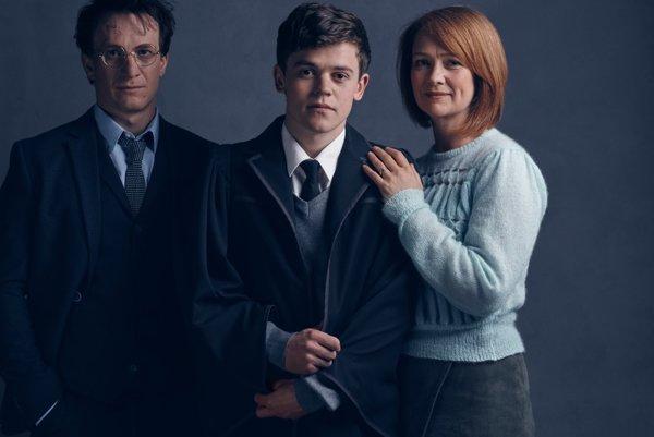 Harry Potter, jeho syn Albus Severus a Ginny Weasleyová.