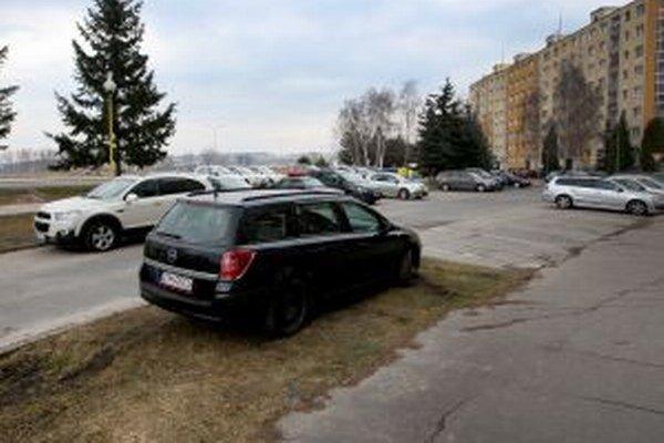 Tulská ulica musí na obnovu ešte počkať.