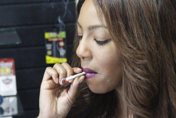 Marihuana aj naďalej zostáva zaradená v kategórii drog.