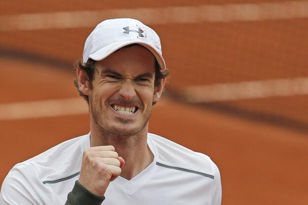 Murray sa v semifinále stretne s Wawrinkom.