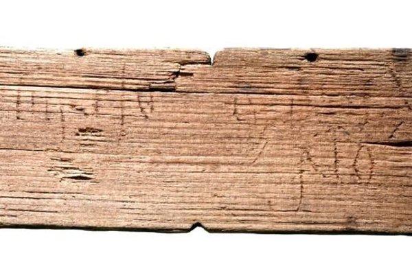 Archeológovia odkryli vyše 400 drevených tabuliek.