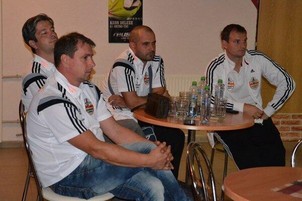Predstavitelia ŠK Novohrad Lučenec na valnom zhromaždení LAFC-u, ktoré sa konalo 11. septembra.