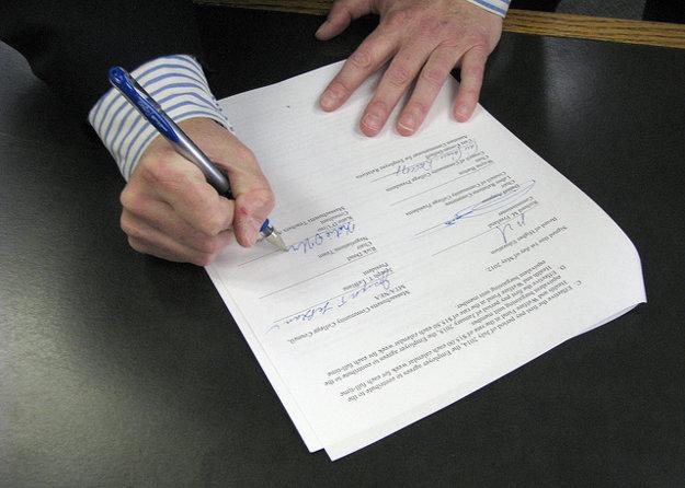 Realitná kancelária za vás pripraví zmluvy, aj tie si však treba preveriť