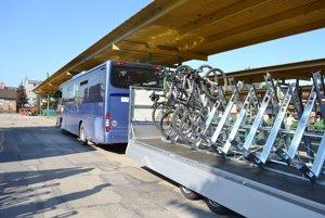 Aj tento rok budú môcť cyklisti znovu využiť dopravu zo Žiliny do Terchovej i Novej Bystrice a späť aj so svojím dvojkolesovým spoločníkom.