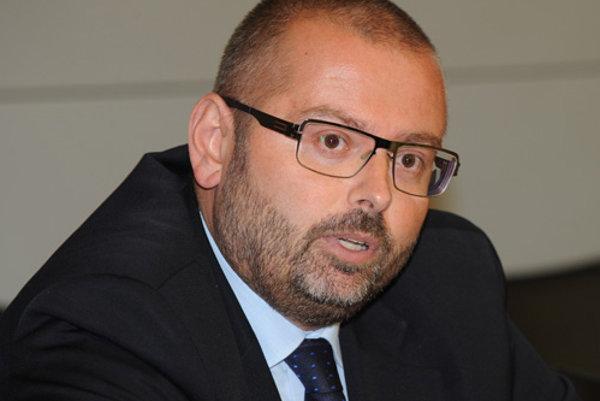 Janis Emmanoulidis je analytikom bruselského Centra pre európsku politiku .