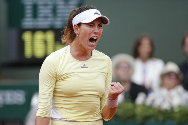 Muguruzová má k triumfu na Roland Garros bližšie.