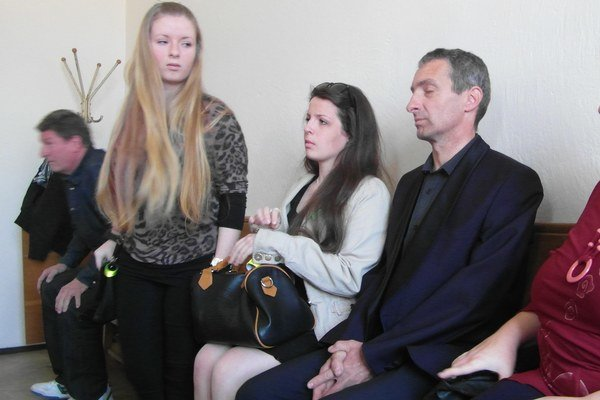 Rodina odchádzala zo súdnej siene sklamaná.