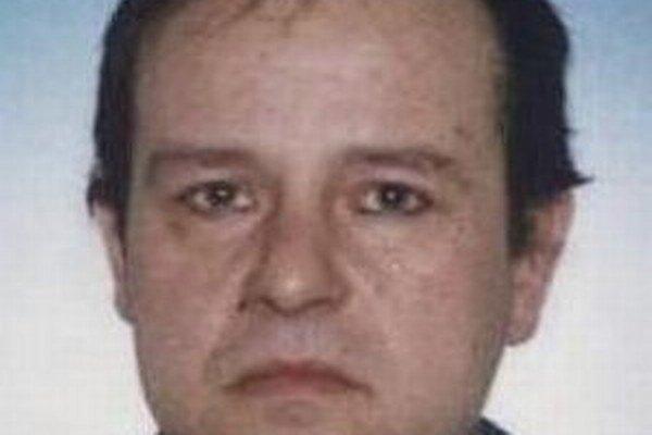 Na 50-ročného Čadčana Jaroslava Ruceka vydal Okresný súd v Čadci príkaz na zatknutie.