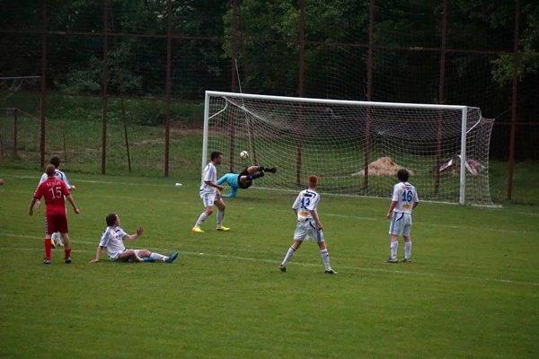 Selce strieľajú gól Lieskovcu.