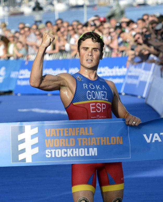 Španiel je majstrom sveta v olympijskom triatlone, terénnom triatlone a polovičnom Ironmanovi.