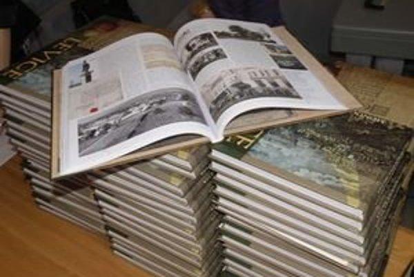 Najkrajšia monografia na Slovensku je o Leviciach.
