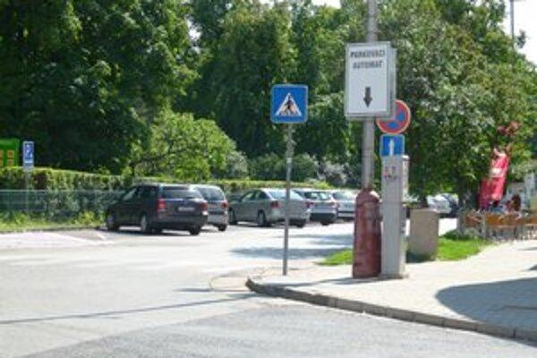 Ku koncepcii parkovania dostala zatiaľ levická radnica 68 pripomienok a šesť petícií.