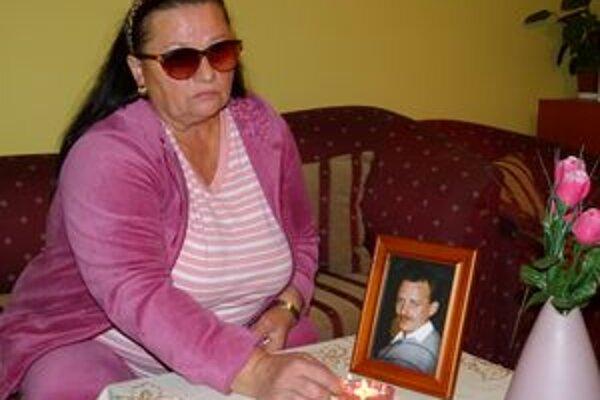 I. Bokorová sa so smrťou svojho syna nevie vyrovnať.