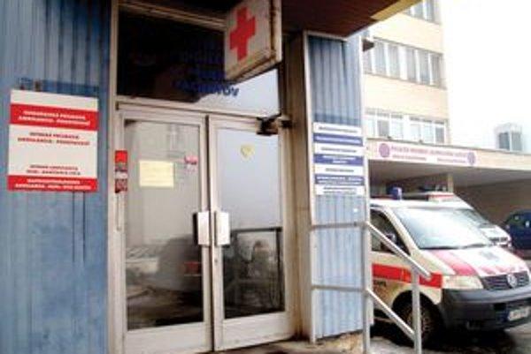 Lekári na pohotovostnej službe varujú pred prejedaním sa počas vianočných sviatkov a používaním pyrotechniky na Silvestra.