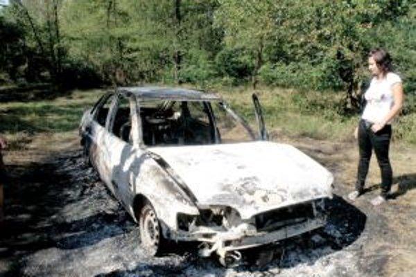 Želiezovčan odstavil svoje auto na poľnej ceste pri Hrone. V rieke si zachránil život pred uhorením.