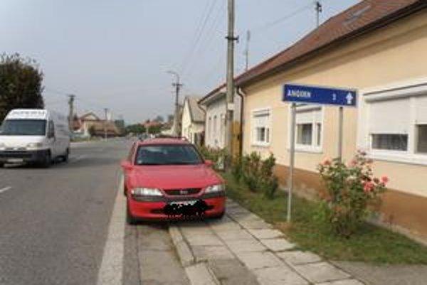 Zo Záhorskej Vsi do Angernu sú to len dva kilometre.