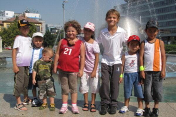 Deti z Emauzy na výlete v Bratislave.