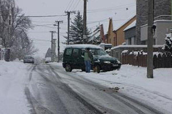 Zimná údržba v mestách sa začala.