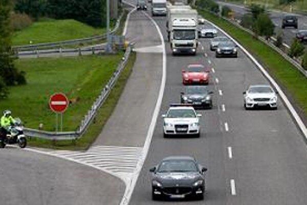 Starostovia niektorých obcí  sa obávajú, že zvýšenie cien diaľničných známok povedie k zhusteniu dopravy.