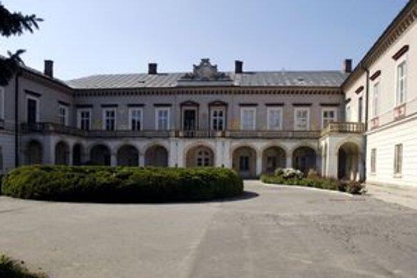 Kaštieľ vo Voderadoch chce kraj zrekonštruovať a využívať na reprezentačné účely.