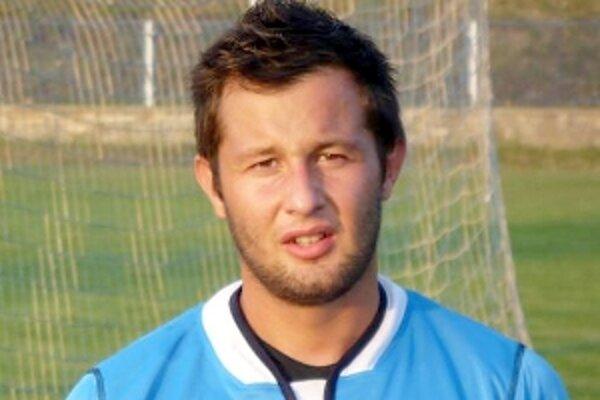 Michal Ličko rozhodol dvomi gólmi o výhre Holíča v Prašiciach.