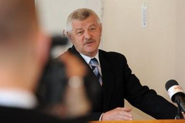 Vo volebnom obvode Senica dosiahla nadpriemerný výsledok strana DS, ktorej šéfuje trnavský župan Tibor Mikuš.