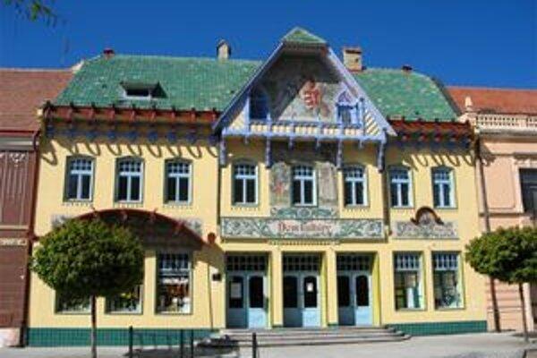 Pohľad na Záhorské múzeum v Skalici.