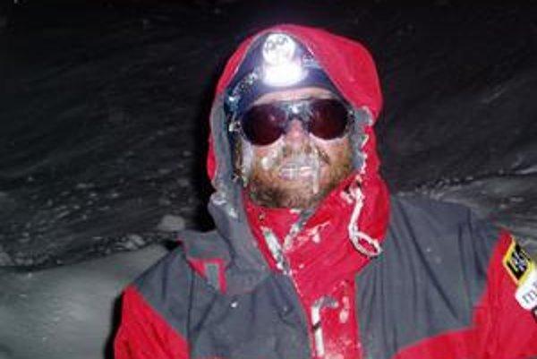 V horách niekedy panujú tvrdé podmienky.
