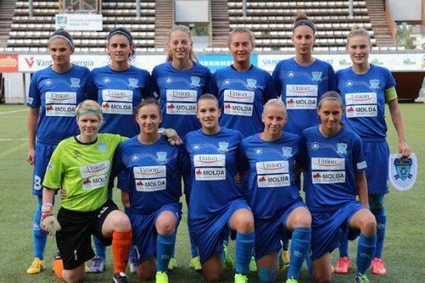 Základná jedenástka slovenského majstra FC Union Nové Zámky pred prvým zápasom proti domácemu PK-35 Vantaa.