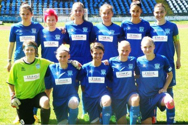 Základná jedenástka majstrovského FC Union Nové Zámky pred posledným majstrovským zápasom sezóny proti Slovanu Bratisalva.