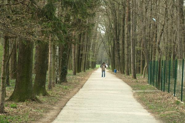 Kamenný mlyn je obľúbeným miestom prechádzok.