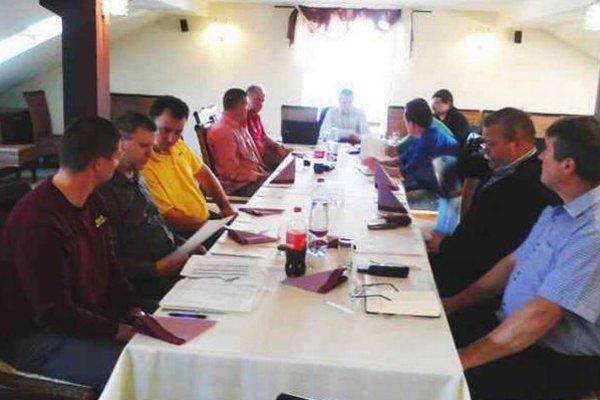 V Šuranoch diskutovali zástupcovia klubov mikroregiónu o aktuálnych témach.