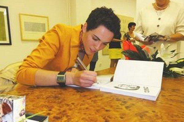 Jedna z jej predchádzajúcich autogramiád.