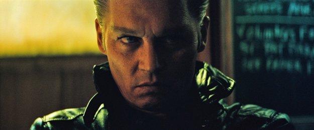 V mafiánskom filme Black Mass. Nezarobil a bol sklamaním.