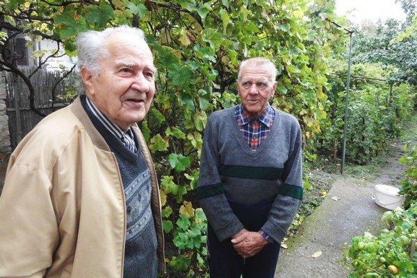 Vpravo J. Pásztor, vľavo J. Krpelan.