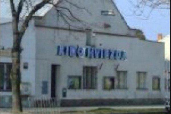 V kine sa premietalo už počas vojny.