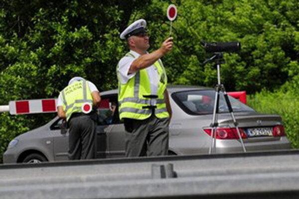 Dnes bude na cestách väčší počet policajtov.