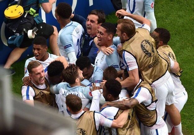 Radosť Angličanov po víťaznom zásahu bola,, pochopiteľne, enormná.