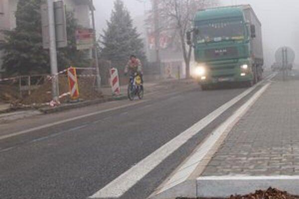 Premávka v Hurbanove je nebezpečná najmä pre cyklistov.