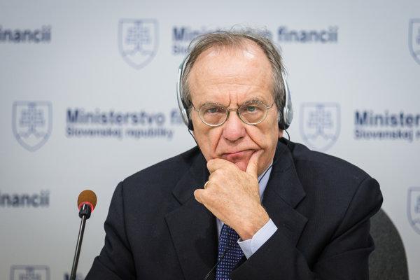 Taliansky minister financií Pier Carlo Padoan.