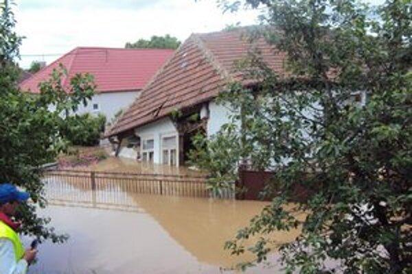 Takto vyzerala situácia v našom regióne po storočnej vode v roku 2010.