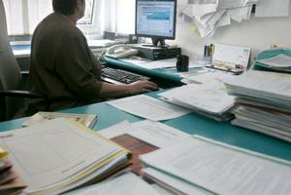 Pri žiadosti o dávku garančného poistenia treba dokladovať aj to, že na zamestnávateľa bol podaný návrh na vyhlásenie konkurzu.