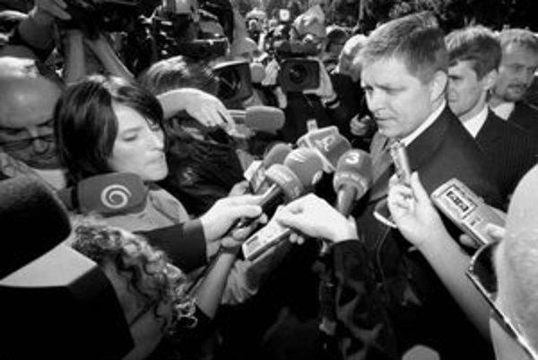 Niektorí novinári chcú politiku spoznať aj z druhej strany.