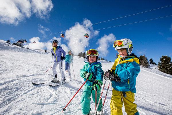 Okrem lyžovania je v rakúskych lyžiarskych strediskách niekoľko ďalších možností, ako sa zabaviť.