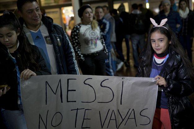 Aj s takýmito odkazmi čakali fanúšikovia na Lionela Messiho.