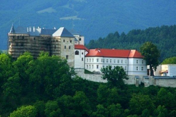 """Názov pamiatky: Hrad Ľupča <br/>Adresa pamiatky: Ľupča, okr. Banská Bystrica <br/><p><a href=""""http://www.spp.sk/spp-pre-buducnost/obnovme-si-svoj-dom/"""" target=""""_blank"""">Interaktívna mapa</a></p>"""